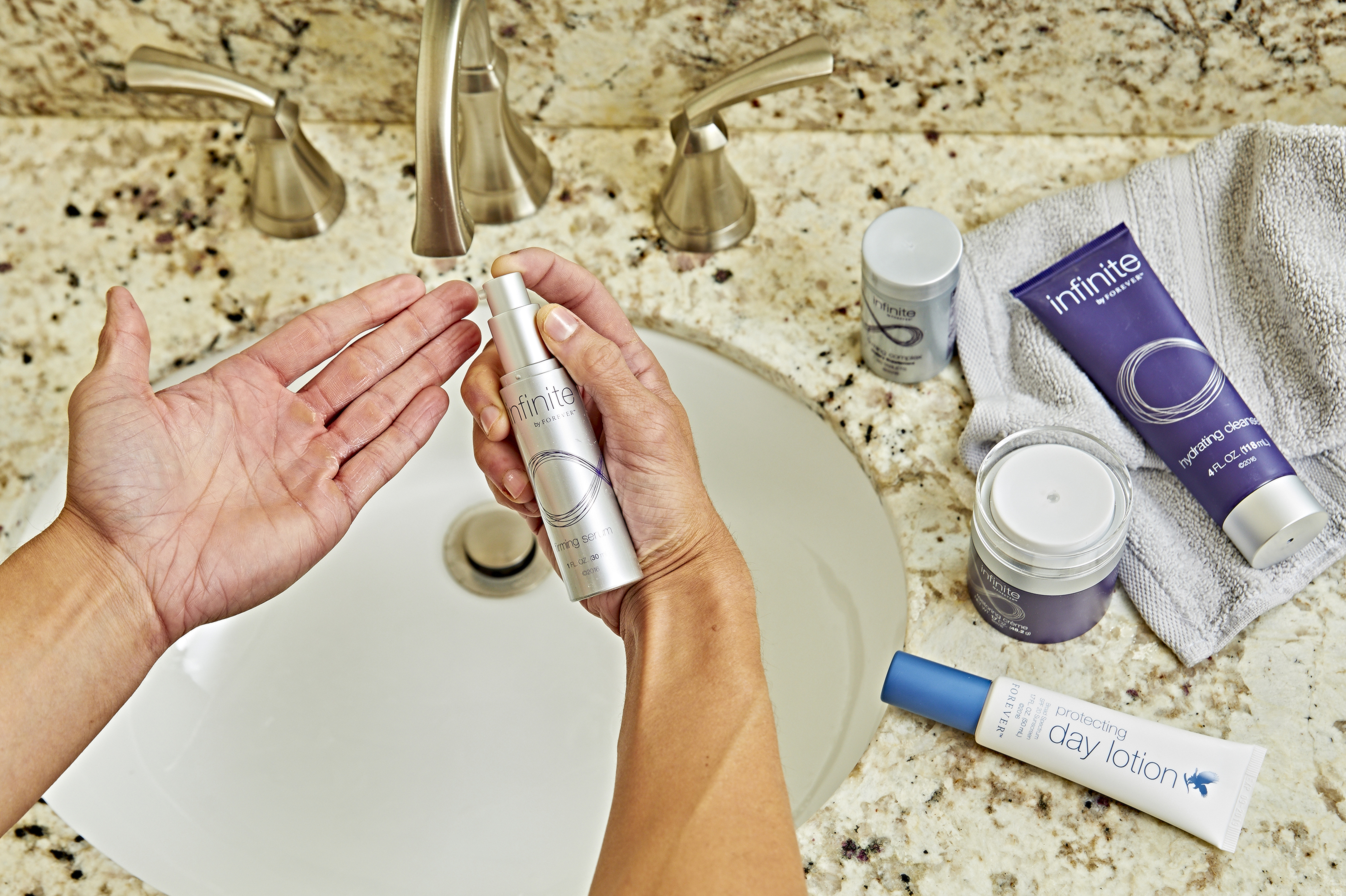 Protecting Day Lotion - overhead 2